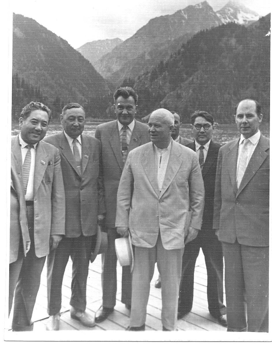 Юсупов, Шарипов, Кунаев, Хрущёв, Дауленов, Родионов. 1962 г. Алма-Ата